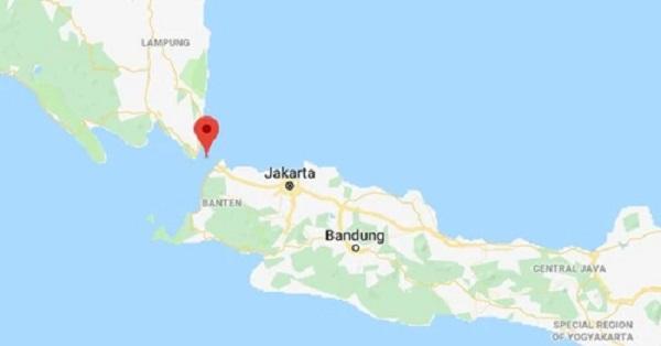 Eo biển Sunda, nơi sóng thần tấn công. Ảnh: Google Maps.