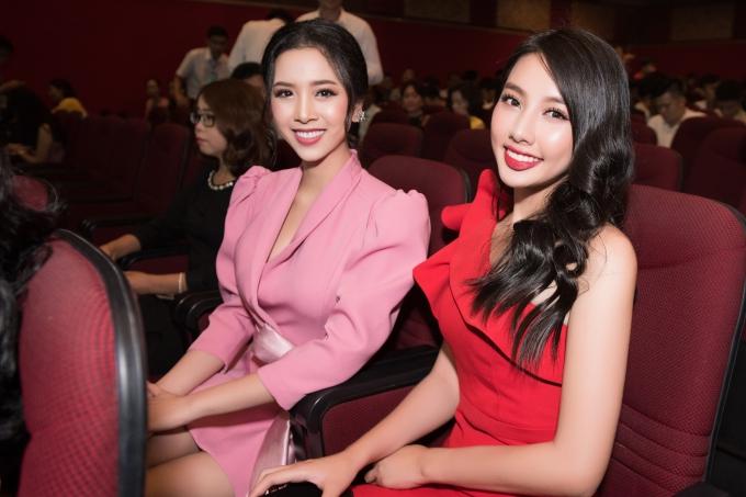 Hoa hậu Tiểu Vy gợi cảm vượt cả Hari Won ở lễ trao giải Quả bóng vàng - 6