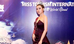 Emily Hồng Nhung chấm thi Hoa hậu Du lịch Quốc tế 2018