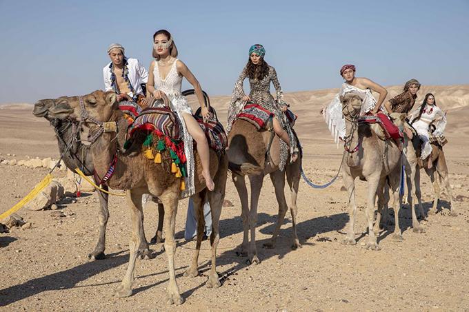 Trong tập bán kết này, các thí sinh phải trải qua ba thử thách liên tiếp: chụp ảnh trên sa mạc, quay TVC quảng bá đất nước Israel và thực hiện Vlog du lịch.