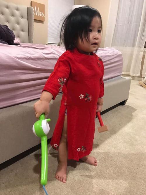Ca sĩ Lam Trường đăng ảnh con gái cùng chú thích hài hước: Kiểu này chắc rủ Bì đi tập gym chung với ba quá.