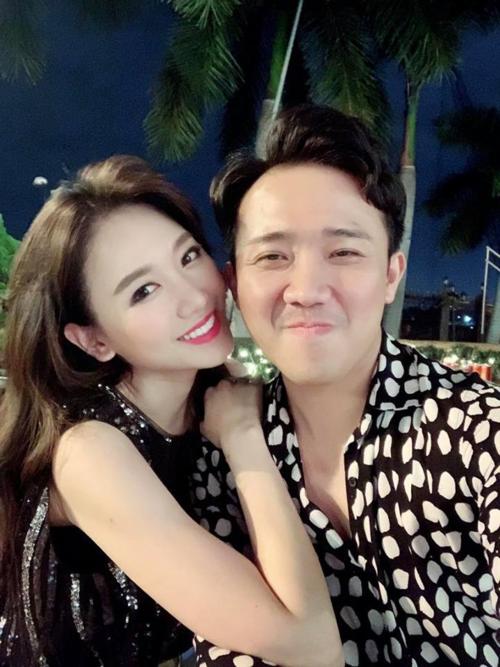 Vợ chồng Trấn Thành - Hari Won đón Giáng sinh bên nhau.