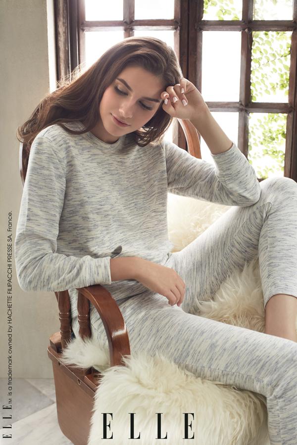 Cùng với nội y, các mẫu trang phục mặc nhà cho mùa Thu Đông 2018 cũng được ELLE ra mắt đúng dịp lễ hội. Thiết kế chủ yếu là trang phục dài, chất vải thun cotton êm mịncho bạn cảm giácthoải mái, tận hưởng những giây phút thư giãn tại nhà.
