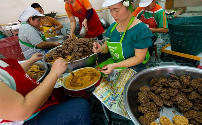 9 món đặc sản không ngon mắt nhưng đã miệng ở miền bắc Thái Lan - 4