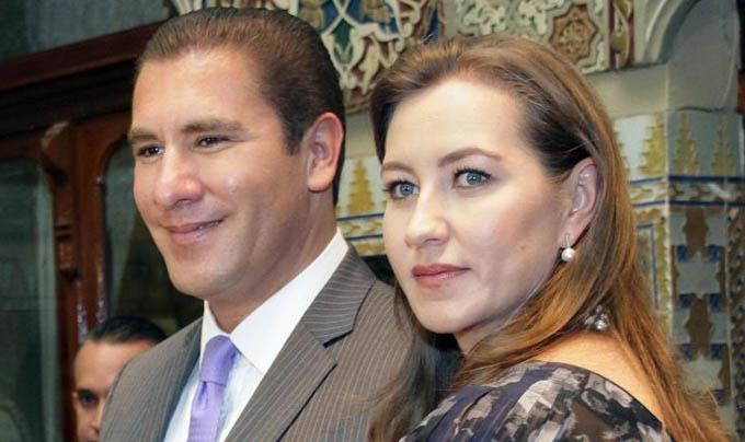 Thống đốcMartha Erika Alonso và chồng