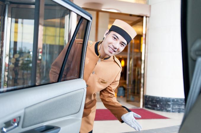 Mang tinh thần tôn vinh những giá trị Việt, du khách đến với Mường Thanh sẽ được trải nghiệm văn hóa riêng của hệ thống khách sạn này. Văn hóa người Mường Thanh là một trong những đặc sản đặc biệt. Nhân viên của khách sạn không chỉ được đánh giá cao về thái độ làm việc chuyên nghiệp mà còn tận tâm và chân thành với du khách.