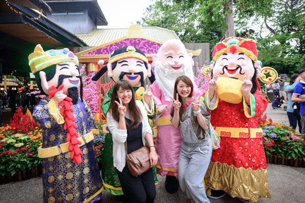 Du khách du lịch Singpaore dịp Tết.