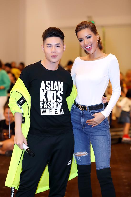 Phương Khánh, Đàm Vĩnh Hưng nhiệt tình tập catwalk cùng mẫu nhí - 9