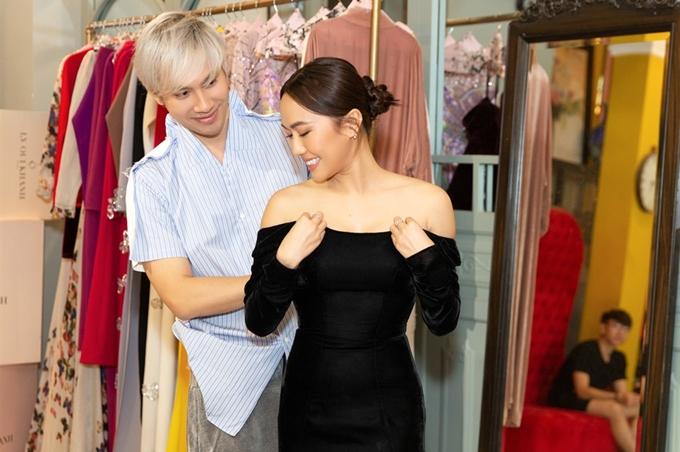 Diệu Nhi cũng là khách mời đặc biệt trong show diễn kỷ niệm 10 hoạt động lĩnh vực thời trang của nhà thiết kế Lý Quí Khánh.