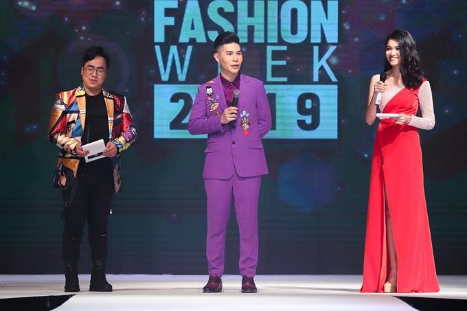 Đạo diễn Nguyễn Hưng Phúc cho biết anh muốn thể hiện sự tôn trọng với các vị khách, nhà thiết kế và mẫu nhí quốc tế, giúp họ dễ dàng theo dõi chương trình, đồng thời khẳng định tính chuyên nghiệp của sự kiện mang tầm châu lục