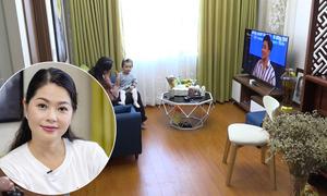Cuộc sống của hai mẹ con Thanh Tú 'cháo lòng' ở căn hộ 55 m2