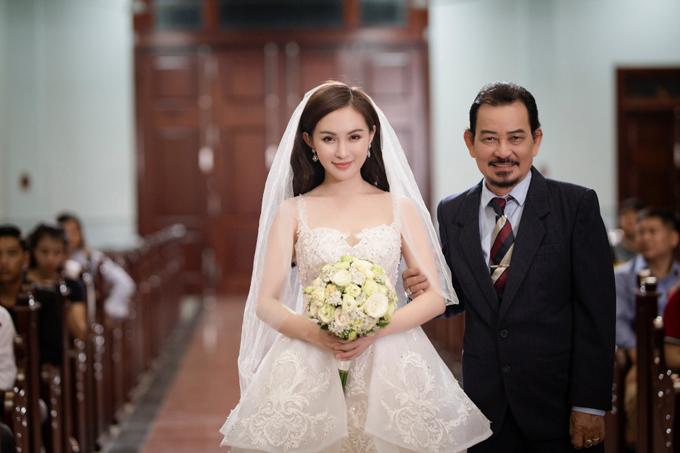 Bi kịch tình yêu xảy ra khi cô gái quyết định kết hôn với người đàn ông khác.