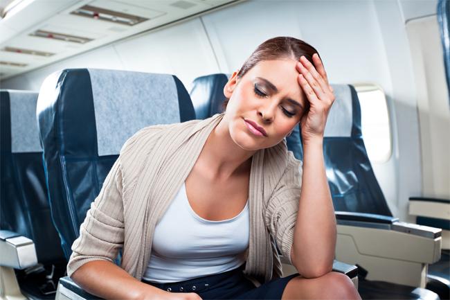 Dùng thuốc đúng sẽ giúp bạn hết mệt mỏi trên mỗi chuyến bay.