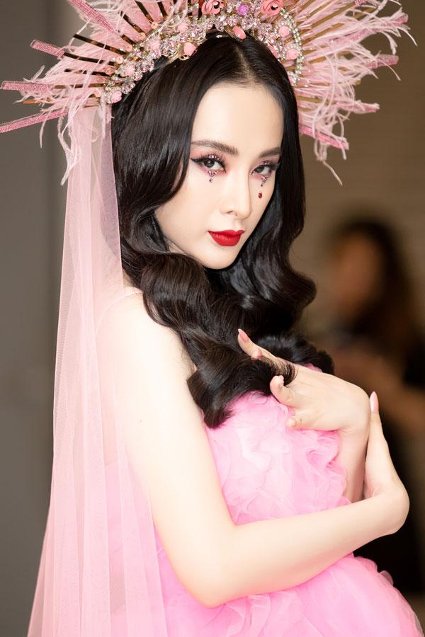 Angela Phương Trinh mất 7 tiếng trang điểm để dự show Đỗ Mạnh Cường - 3