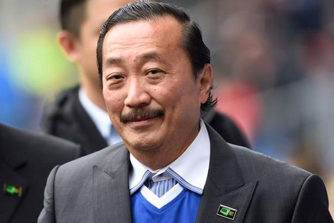 [CaptiTỷ phú Vincent Tan  Cardiff CityDoanh nhân và nhà đầu tư Malaysia, Vincent Tan Chee Yioun sở hữu 51% cổ phần trong CLB đến từ xứ Wales, Cardiff City. Người sáng lập tập đoàn Berjaya đã lọt vào danh sách tỷ phú của Forbes năm 2010 với ước tính tài sản ròng 1,3 tỷ USD, cùng năm vị tỷ phú này mua CLB Cardiff City. Ngoài ra, ông cũng có cổ phần trong CLB FK Sarajevo của Bosnia, CLB KV Kortrijk của Bỉ và là một thành viên trong nhóm sở hữu Los Angeles FC của Mỹ.