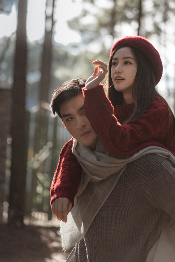 Jun Vũ bị sốt khi diễn cảnh tình cảm với Quang Đại