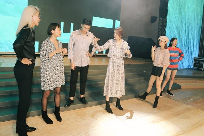 Thành viên cuối cùng của đội Thanh Hằng là Mạc Trung Kiên (thứ 3 từ trái sang).