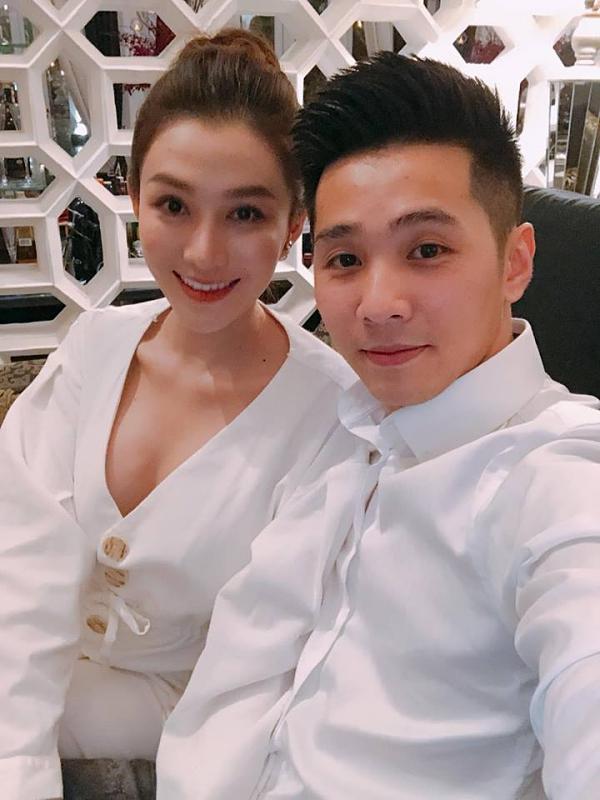 Cả hai thường xuyên diện đồ đôi mỗi khi xuất hiện cùng nhau. Sau khi lập gia đình, Lê Hà sẽ từ bỏ nghệ thuật, tập trung theo đuổi kinh doanh và phụ giúp chồng trong công việc.