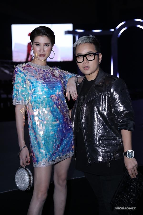 Trang Khàn rủ nhà thiết kế Chung Thanh Phong đi xem chương trình đào tạo người mẫu nổi tiếng.