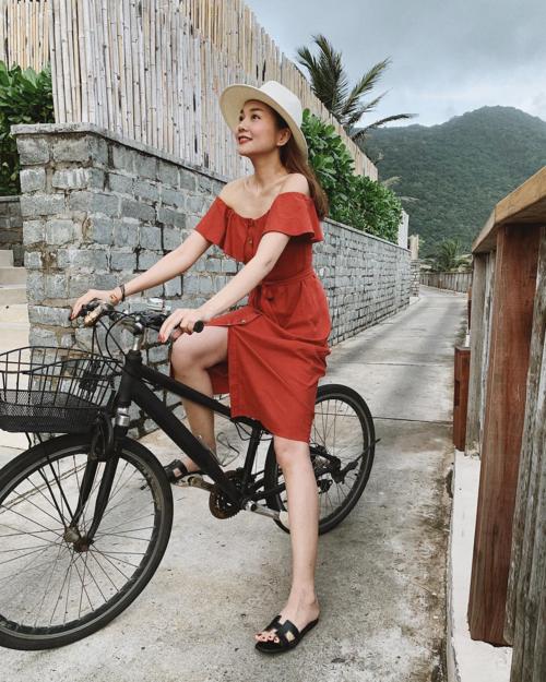 Thanh Hằng chọn khu nghỉ dưỡng cao cấp ở Côn Đảo cho ngày nghỉ lễ của mình. Đây là địa điểm thường xuyên lui tới của các ngôi sao trong nước cũng như quốc tế khi tới Việt Nam.
