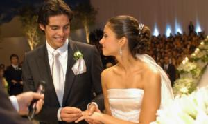 Kaka hối tiếc vì tiết lộ 'còn zin' trong ngày cưới