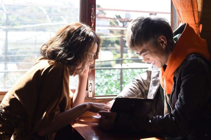 Nhờ kinh nghiệm diễn xuất, Linh Chi dễ dàng hợp tác Soobin Hoàng Sơn trong MV.