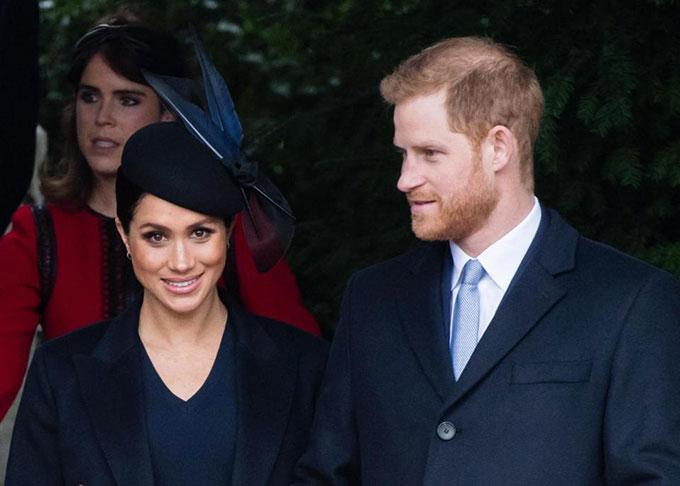 Vợ chồng Meghan - Harry dự lễ Giáng sinh ở nhà thờ tại Sandringham sáng 25/12. Ảnh: UK Press.