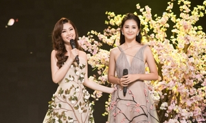 Hoa hậu Tiểu Vy, Á hậu Diễm Trang khoe giọng hát đón năm mới