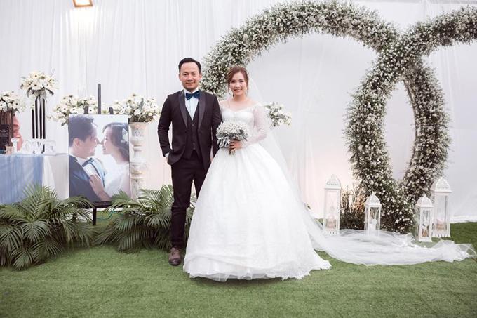 Tiến Đạt lần đầu khoe ảnh hôn lễ tại Bình Thuận - 1