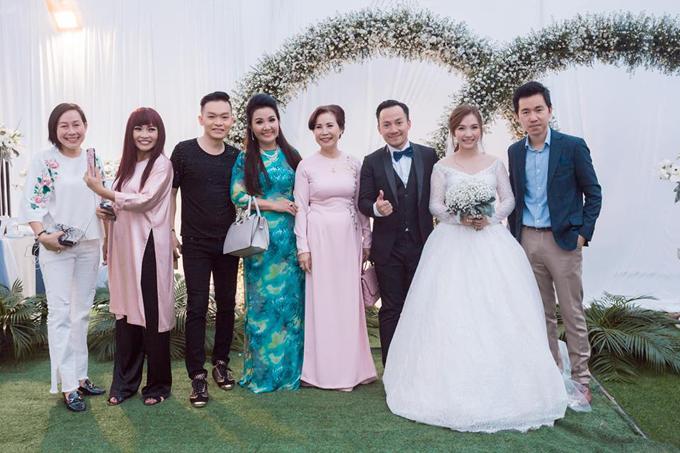 Tiến Đạt lần đầu khoe ảnh hôn lễ tại Bình Thuận - 2