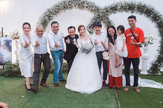 Tiến Đạt lần đầu khoe ảnh hôn lễ tại Bình Thuận - 3