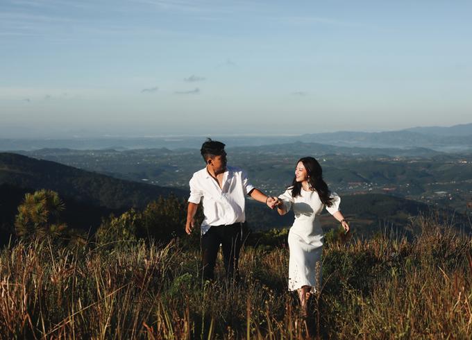 Ảnh cưới phong cách du mục của ca sĩ MiA