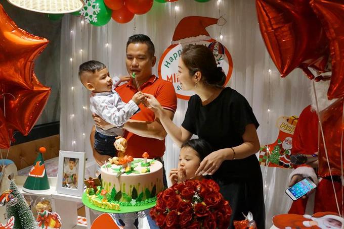 Bé Nu chào đời vào đúng đêm Giáng sinh 24/12/2016. Cậu nhóc là trái ngọt thứ hai trong cuộc hôn nhân của Hoa hậu với doanh nhân Đức Hải. Năm nay cậu nhóc tròn 2 tuổi.