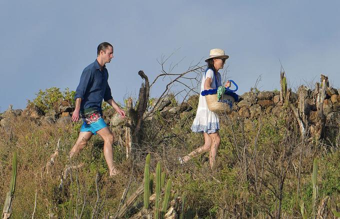 Theo The Sun, Pippa Middleton đang tận hưởng kỳ nghỉ năm mới tại khu nghỉ mát St Barts, đảo Saint Barthelemy, ở Caribben cùng với chồng James Matthews, em ruột James Middleton và em chồng Spencer Mattthews.