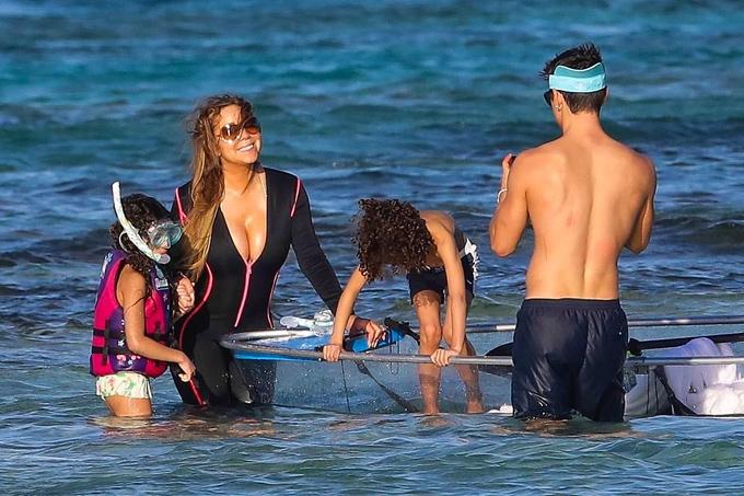 Bryan từng là vũ công lâu năm của Mariah Carey. Sau khi diva Mỹ hủy bỏ hôn ước với tỷ phú James Packer vào tháng 10/2016, Bryan trở thành chỗ dựa tinh thần cho cô và hai người nảy sinh tình cảm mặc dù chênh lệch 13 tuổi.
