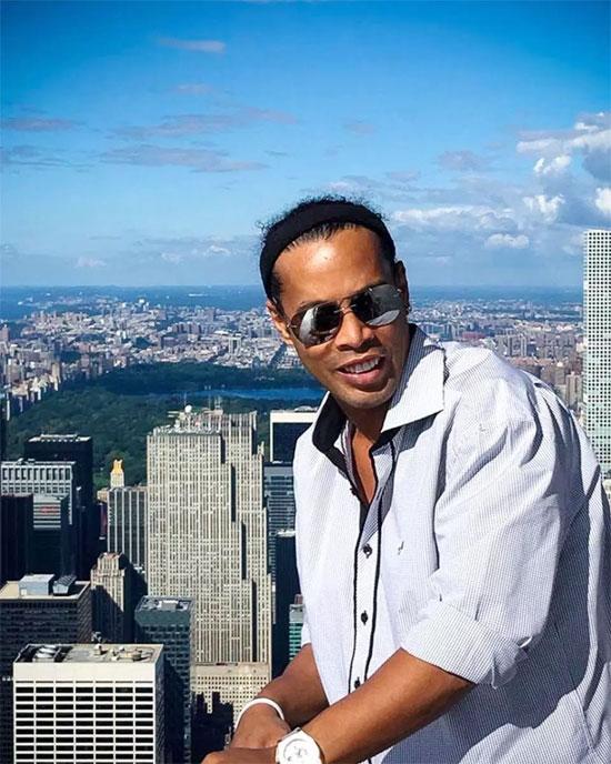 Lệnh tịch thu hộ chiếu của Ronaldinho đưa ra từ tháng 11/2018 nhưng cựu danh thủ phớt lờ