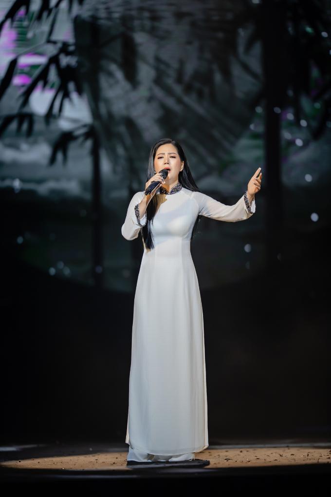Đinh Hiền Anh xúc động khi hát tác phẩm của nhạc sĩ An Thuyên - 4