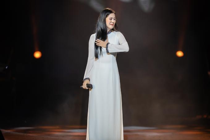 Đinh Hiền Anh xúc động khi hát tác phẩm của nhạc sĩ An Thuyên - 5