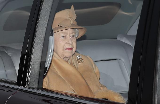 Nữ hoàng Elizabeth II không đến nhà thờ cùng chồng, Hoàng thân Philip, hôm 6/1. Ảnh: Max Mumby.