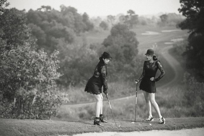 Thúy Hằng tâm sự, chị và em gái vốn thích mặc đẹp nên mỗi lần ra sân golf đều chăm chút những bộ cánh ưng ý.