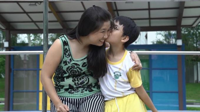 Ju-ann và con trai Mathias - quả ngọttừ cuộc hôn nhân đầu tiên của Ju-ann.