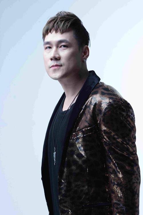 Ca sĩ Khánh Phương.