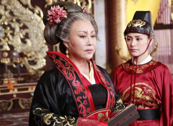 Hình ảnh Võ Tắc Thiên ở độ tuổi trung niên do Tư Cầm Cao Oa thể hiện.