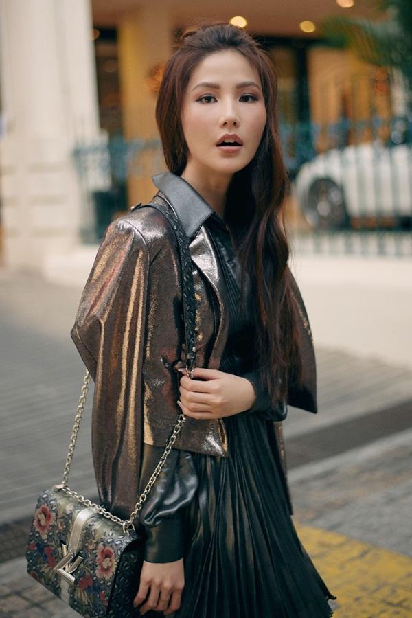 Trang phục: Chung Thanh Phong - Stylist: Cindy Nguyễn - Nhiếp ảnh: Kỳ Anh Trần.