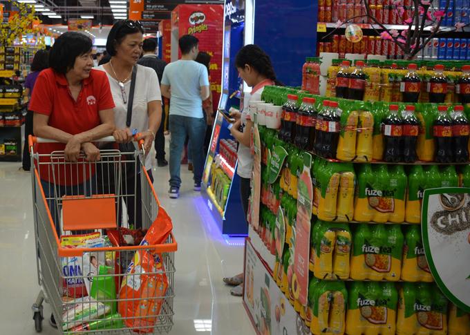 Bên cạnh các mặt hàng chất lượng cao trong nước, siêu thị CoopXtra Vạn Hạnh còn có hơn 10.000 mặt hàng nhập khẩu cao cấp.