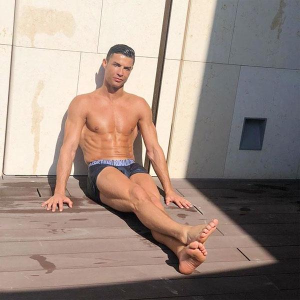 Chăm chỉ tập gym và ăn uống lành mạnh, siêu sao Bồ Đào Nha có lượng mỡ ít hơn cả siêu mẫu.