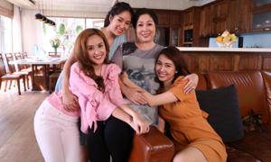 Dàn diễn viên tái hiện 'Gạo nếp gạo tẻ' trong MV Tết