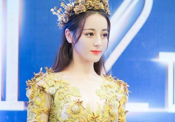 Trong 2 năm qua, tên tuổi Địch Lệ Nhiệt Ba có sự thăng tiến rõ rệt trong giới giải trí Trung Quốc,
