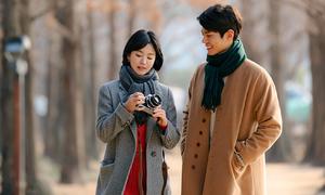 Song Hye Kyo lại hôn 'tình trẻ' Park Bo Gum