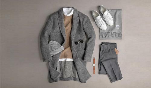 Trong tiết trời se lạnh, các chàng có thể lựa chọn set đồ hoàng tử mùa đông với áo len, sơ mi trắng, quần tây và áo khoác dáng dài. Nếu thời tiết lạnh hơn, bạn cũng có thể cho phép mình điệu thêm một chút, khi phối cùng các phụ kiện như khăn choàng, nón len và kính râm. Tuy nhiên, phái nam cũng cần lưu ý đến màu sắc giữa các trang phục và phụ kiện để tránh tạo ra một tổng thể quá rối rắm, cồng kềnh.